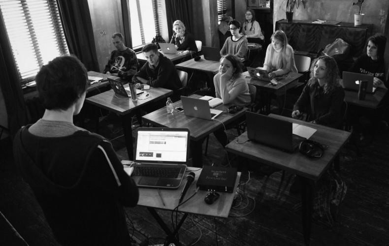 Maskeliade in Glinka – School of Modern Music